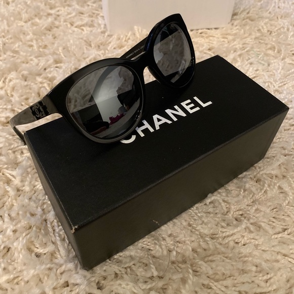 CHANEL Accessories - Chanel le boy brick sunglasses